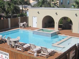 Right across from the beach! Winter 2016 openings. - South Padre Island vacation rentals