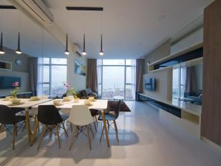 Brand New 2 Bedroom SeaView Apt Marina Bay - Singapore vacation rentals