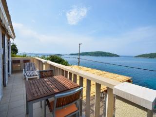 A luxurious seaside apartment (2) - Molunat vacation rentals
