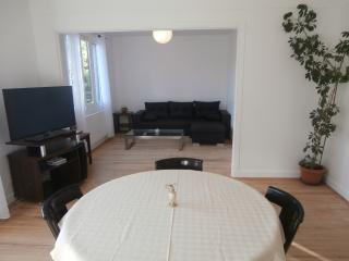 Nice Condo with Internet Access and Central Heating - Chatou vacation rentals