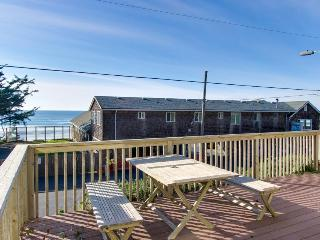 Laid-back escape with oceanview deck & within walking distance of restaurants! - Oceanside vacation rentals