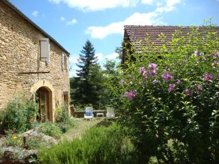 Bright Gite with Internet Access and Satellite Or Cable TV - Masclat vacation rentals