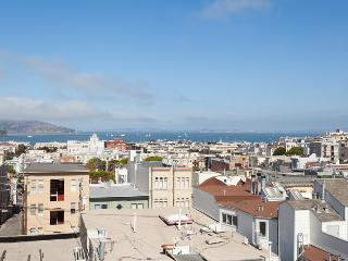 Beautiful North Beach Home with Roof Top Deck - Union City vacation rentals
