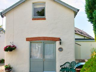Charming 2 bedroom Poughill Cottage with Central Heating - Poughill vacation rentals