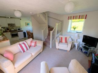 Nice 2 bedroom Poughill Cottage with Central Heating - Poughill vacation rentals