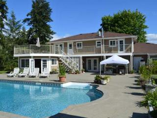 Cowichan Valley Country Home - 5 Bedroom Home with pool and hot tub - Duncan vacation rentals