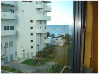 ACCESO DIRECTO S/ PLAYA & COLLINS - Miami Beach vacation rentals