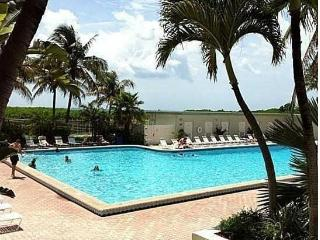 Gorgeous 1 bedroom Miami Beach Apartment with Internet Access - Miami Beach vacation rentals