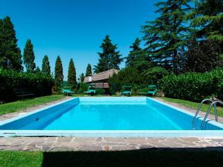 La Secchia Rapita: Villa con piscina a Bologna - Bologna vacation rentals