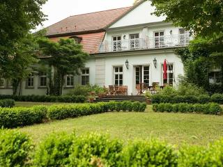 Nice Bed and Breakfast with Deck and Internet Access - Lindow (Mark), Stadt vacation rentals
