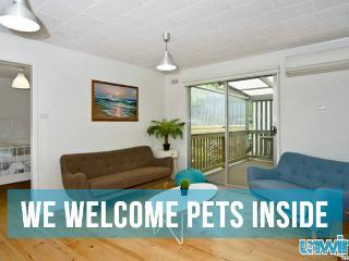 Unwind @ Pet let 06 Lakala Views - Port Elliot vacation rentals
