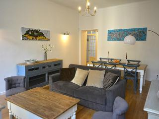 Newly renovated deluxe 2 bedroom by the Port - Nice vacation rentals