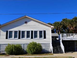 "129 Palmetto Blvd - ""Old Timer"" - Edisto Beach vacation rentals"