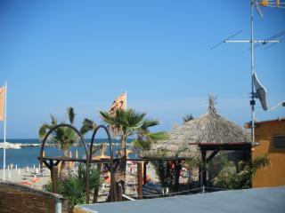 MONOLOCALE MAX 4 PERSONE a 50m MARE,RESIDENCE CIMA - Rimini vacation rentals