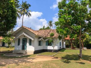 Lovely 5 bedroom Villa in Galle with Internet Access - Galle vacation rentals