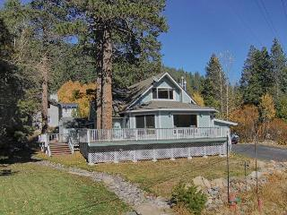 Squaw Valley Chalet - Perfect Squaw Valley Location, 7 Night Min Over Holiday - Olympic Valley vacation rentals