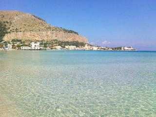 Lovely villa in Mondello, 300 mt from the sea - Mondello vacation rentals