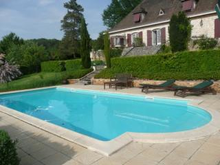 Nice Gite with Internet Access and Satellite Or Cable TV - Lembras vacation rentals