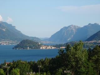 info: It is stated that every person over the second must pay € 25 per night. - Menaggio vacation rentals