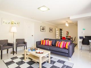 Istana Bentley No.5 - 6 BRs with Ensuites - Perth vacation rentals