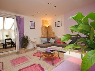 Spacious Apartment in Vis centre, next to the port - Vis vacation rentals