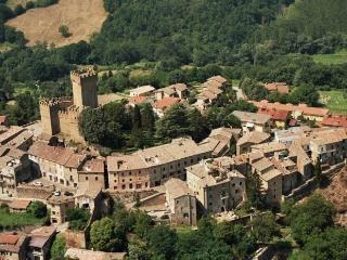 castello in Lazio autunno - Proceno vacation rentals