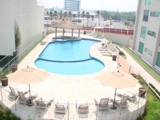 Boca Del Rio Towers Condo with pool! - Boca del Rio vacation rentals