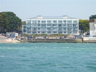 Live the Dream in a Deluxe Apartment in Sandbanks - Bournemouth vacation rentals