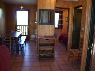 CHALET LES FLOCONS DU SOLEIL 5 - station de ski- - Peyragudes vacation rentals