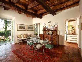 The Unicorn Apartment - Lecco vacation rentals
