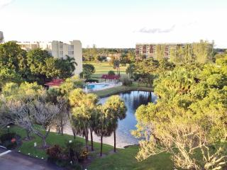2 bedroom + 2 bathrooms Condo - Resort Style! - Fort Lauderdale vacation rentals