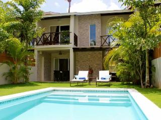 LOW RATES close to beach and town! Sleeps 6 person - Las Terrenas vacation rentals
