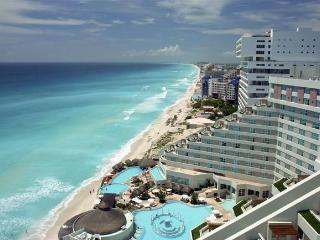 Gand Oasis Cancun junior suite  all inclusive - Cancun vacation rentals