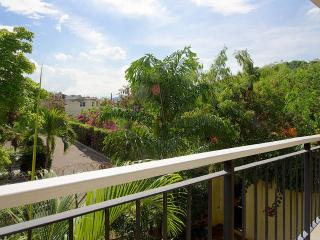 """Mona"" - One bedroom Apartment with pool - Saint Andrew Parish vacation rentals"