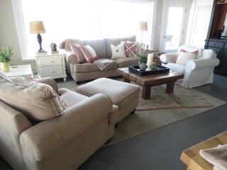 2 bedroom Cottage with Short Breaks Allowed in Camano Island - Camano Island vacation rentals