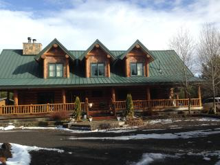 Guest room with private entrance on 15 acres - Bend vacation rentals