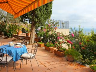 Francesca's Apartment Taormina - Taormina vacation rentals