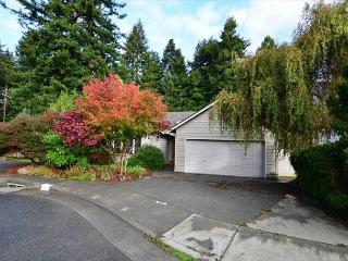 Parkside: Beautiful Home  by Sequoia Park and Hospital - Corporate & Vaca - Eureka vacation rentals