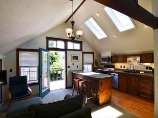 New Vacation Rental! Northtown Loft is a 1 bedroom loft on quiet dead end - Arcata vacation rentals