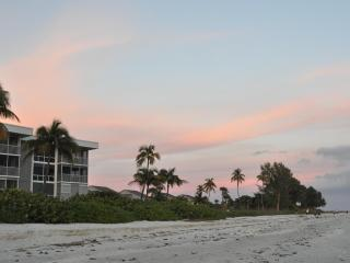 Island Beach Club Penthouse near CasaYbel resort - Sanibel Island vacation rentals