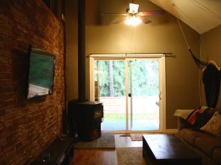 Corbin Place Hideaway: A Spacious & Cozy Retreat! - Revelstoke vacation rentals