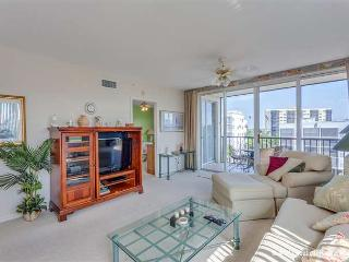 Hibiscus Pointe 844, Canal View, Elevator, Heated Pool - Fort Myers Beach vacation rentals