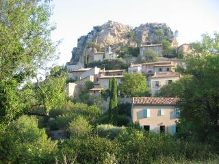 3 bedroom House with Internet Access in La Roque Alric - La Roque Alric vacation rentals