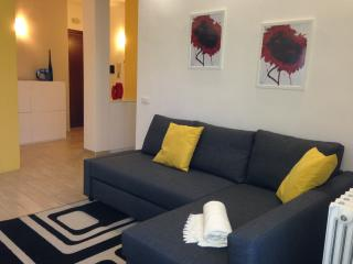 Cozy Apt in Rome just 15 min to Colosseum!! - Rome vacation rentals