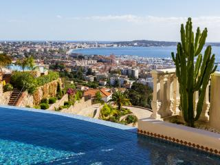 Hollywood villa up above Golfe-Juan - Vallauris vacation rentals