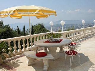 La Contemporaine - Cote d'Azur- French Riviera vacation rentals