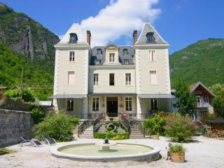 Cozy 2 bedroom Cierp-Gaud Bed and Breakfast with Internet Access - Cierp-Gaud vacation rentals