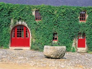 Breton Manor - Garden Wing - Brittany vacation rentals