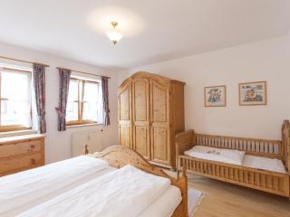 Vacation Apartment in Bad Tölz - 538 sqft, modern, warm, comfortable (# 2925) - Wackersberg b Bad Toelz vacation rentals