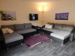 Vacation Apartment in Koblenz - 969 sqft, quiet, central, comfortable (# 4991) - Kastellaun vacation rentals